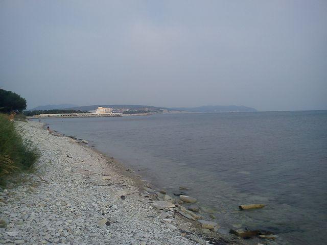 Дикий пляж Тонкий мыс Геленджик фото 2