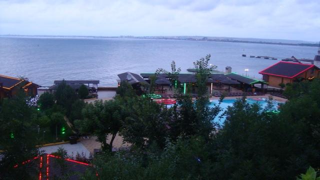 Золотая бухта пляж