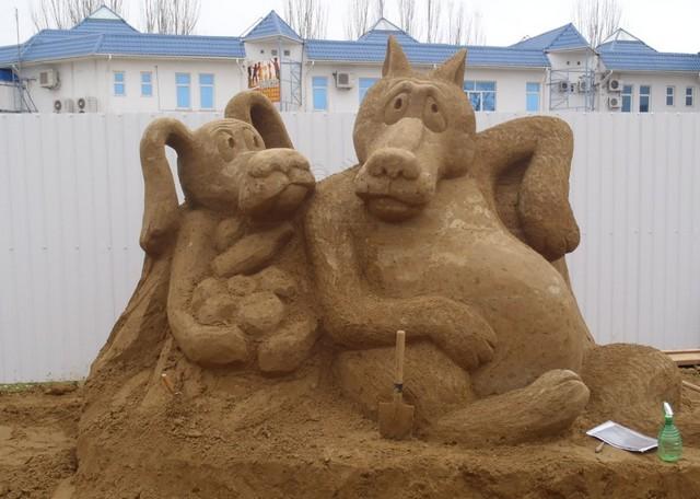Фигуры из песка в Анапе