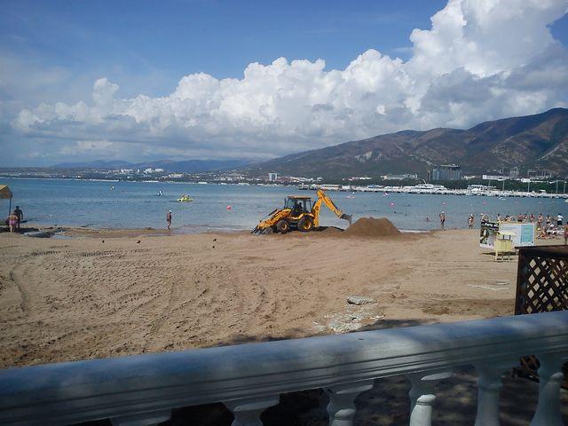 После дождя пляж Геленджика