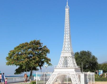 Эйфелева башня в Кабардинка