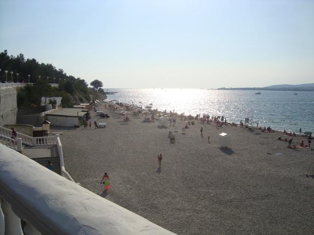Толстый мыс галечный пляж