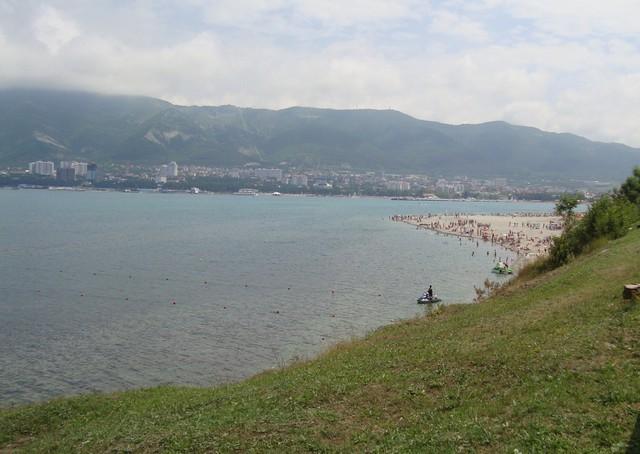 Между пляжами