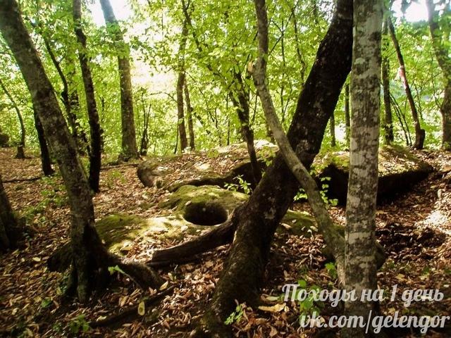razrushennyj-dolmen