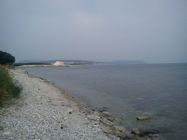 Дикий-пляж-Тонкий-мыс-Геленджик-фото-2