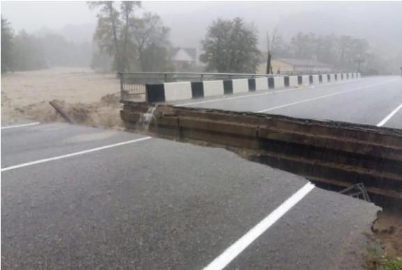 Разрушение моста в Туапсинском районе