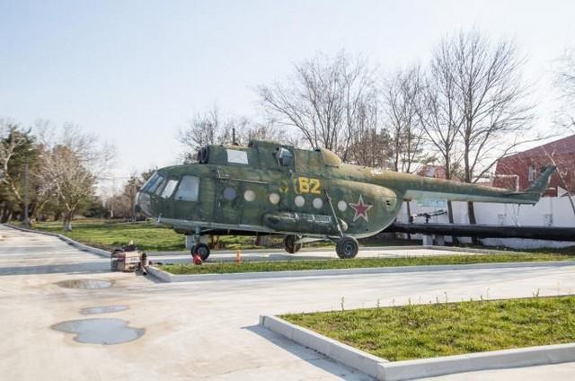 Сквер военной техники в Анапе 4